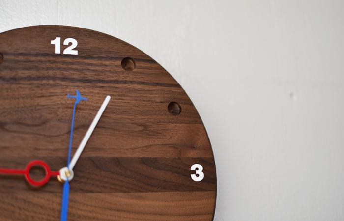 ウォルナットの掛け時計