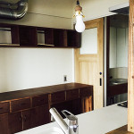 キッチンカウンターと棚